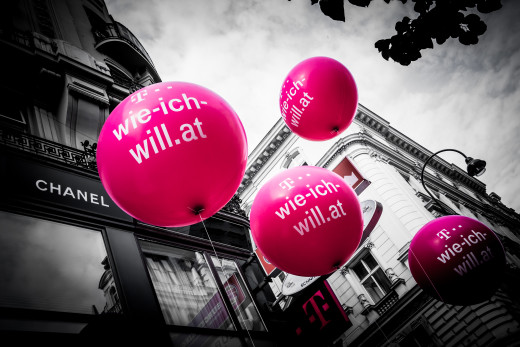 Balloons with the text Test Wie Ich Will from the T-Mobile Hashtag Campaign