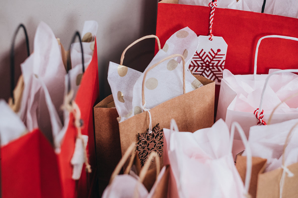 Christmas Shopping Hashtag Marketing Campaign Tips