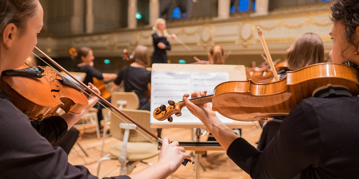 San Francisco Symphony live hashtag feed